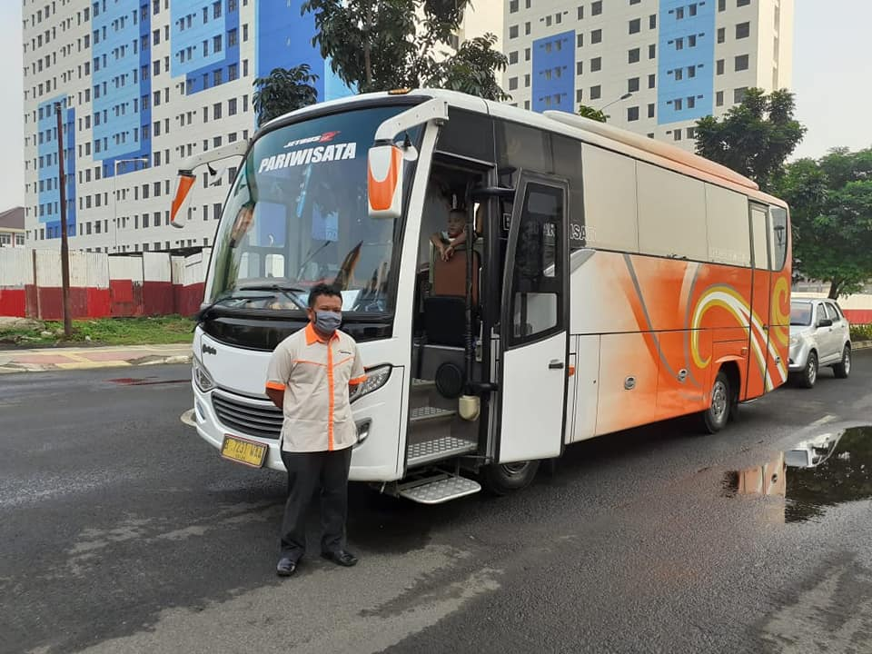 Medium-Bus